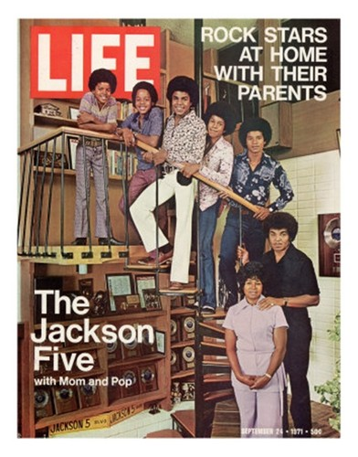 "The Jackson Family On The Cover Of ""EBONY"" Magazine"