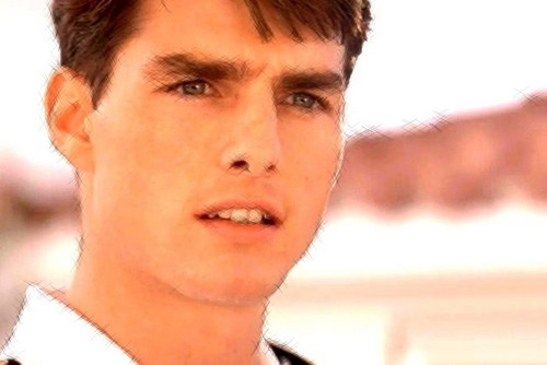 Tom Cruise (:
