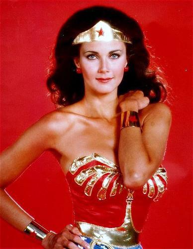 लिंडा कार्टर वॉलपेपर possibly with attractiveness and a bustier, बस्टीर entitled Wonder Woman