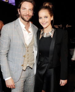Bradley Cooper 壁纸 containing a business suit, a suit, and a dress suit entitled bradley cooper & jennifer lawrence