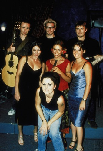 prue, phoebe and piper with the cranberries