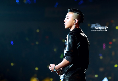 (2013.03.02) G-DRAGON @ Samsung Blue Festival in China