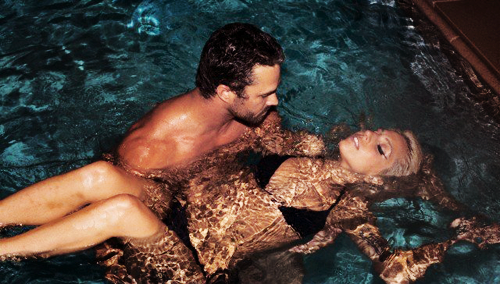 *UNTAGGED* photos of Gaga & Taylor swimming (2011)