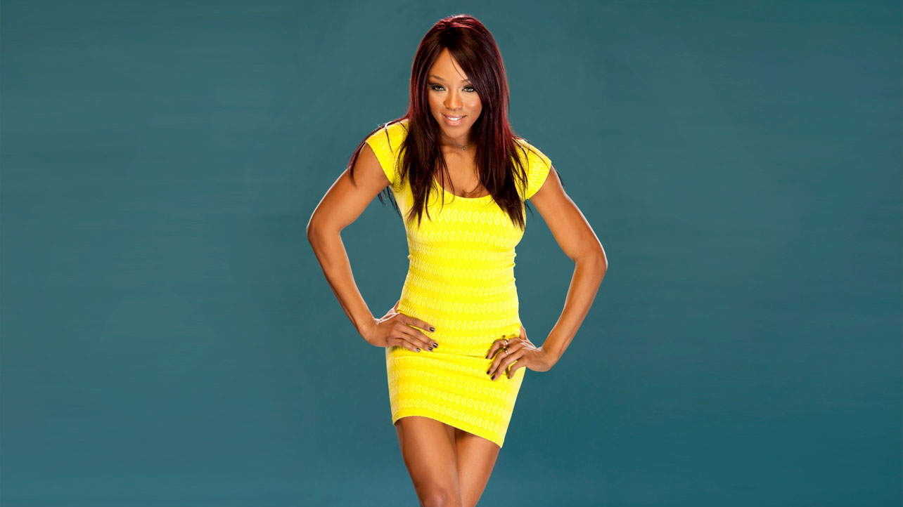Who is dating alicia fox