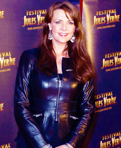 Amanda Tapping achtergrond probably containing a hip boot entitled Amanda Tapping