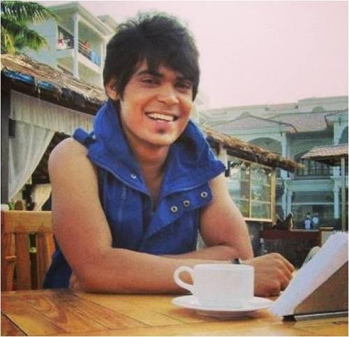 Amar killer smile