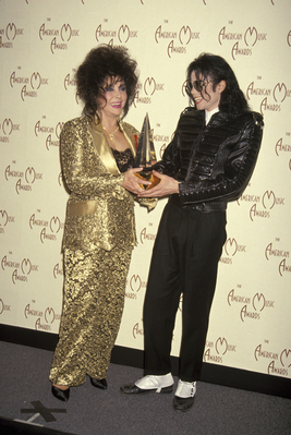 Backstage At The 1993 American Musica Awards