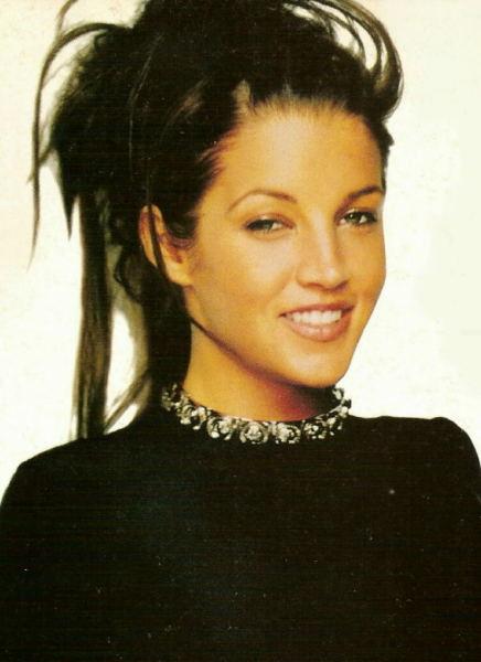 Beautiful-Lisa-lisa-marie-presley-33864517-436-600.jpg