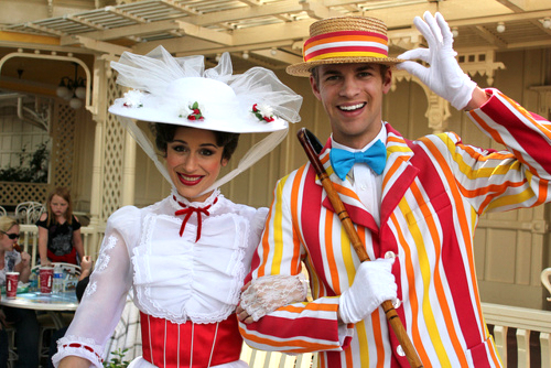 Disney hình nền with a bonnet titled Bert and Mary Poppins at Disneyland