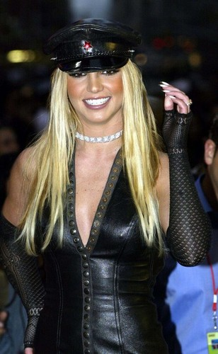 Britney Spears - VMA 2002