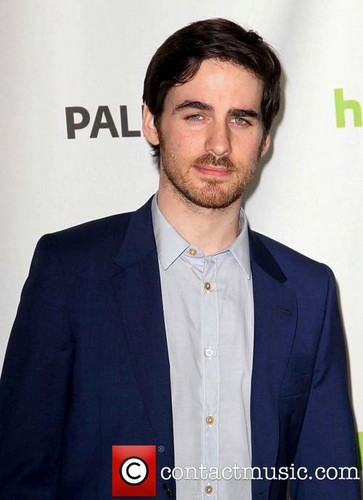 Colin O'Donoghue kertas dinding containing a business suit and a suit titled Colin O'Donoghue - Paleyfest