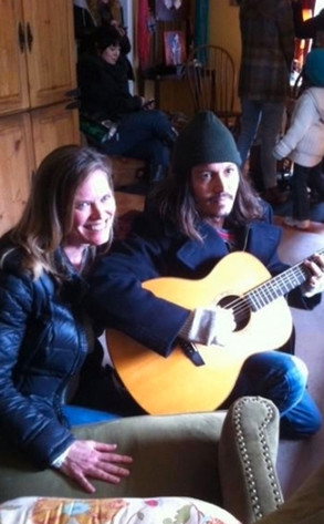 Depp Plays Guitar With Fans!