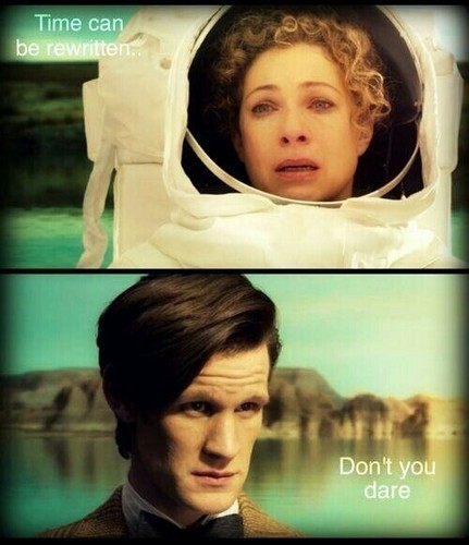 The Doctor and River Song karatasi la kupamba ukuta called Eleven & River