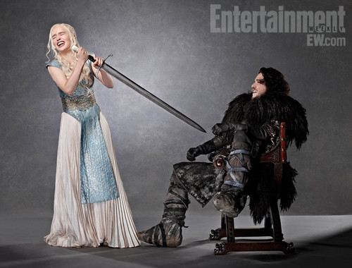 Game of Thrones wallpaper possibly containing a polonaise, a fur coat, and a kirtle titled Daenerys Targaryen & Jon Snow