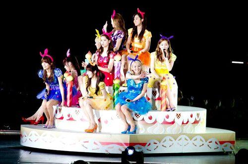 Girls' Generation's from their 2nd Nhật Bản Tour