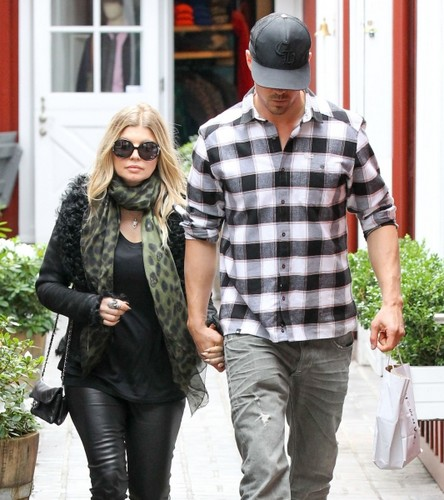 Josh & Fergie out in Santa Monica