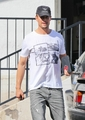 Josh out in Brentwood - josh-duhamel photo