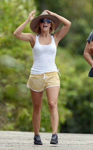 Julianne out in St Barts