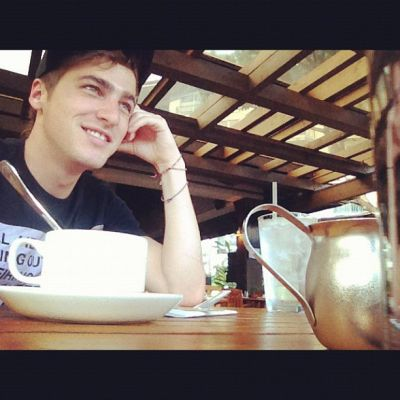 Kendall Schmidt wallpaper possibly with a coffee break, a sign, and a torradeira entitled Kendall