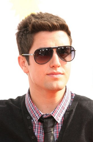 Logan Henderson wolpeyper with sunglasses entitled Logan