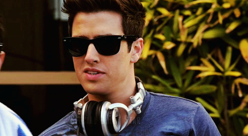 Logan Henderson wallpaper with sunglasses titled Logan
