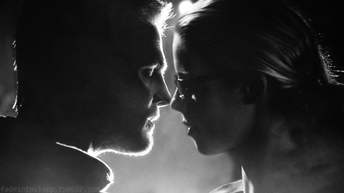 Oliver & Felicity Hintergrund containing a brunnen entitled Manips