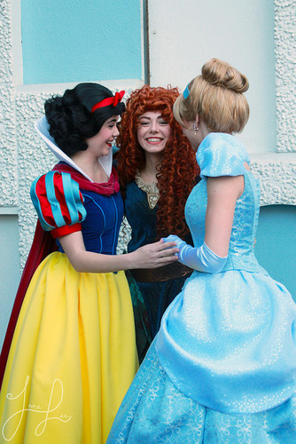 Merida with Cenerentola and Snow White