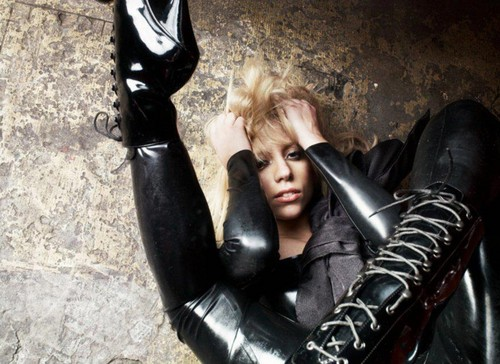 New Gaga outtakes 由 Warwick Saint - 2008