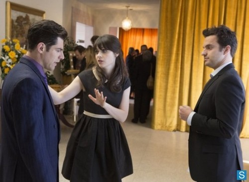New Girl Hintergrund probably containing a business suit titled New Girl - Episode 2.20 - Chicago - Promotional Fotos
