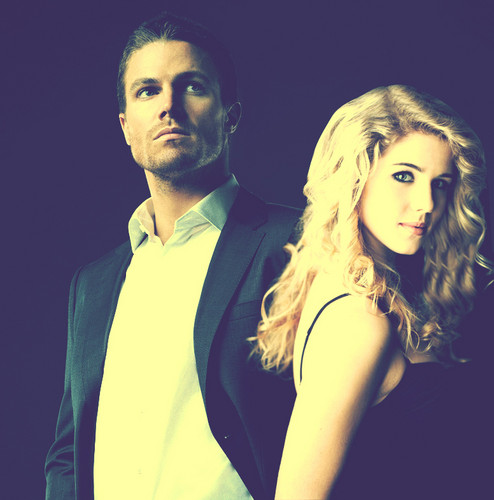 Oliver & Felicity Hintergrund probably with a portrait entitled Oliver x Felicity