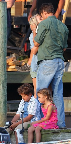 "On set of ""Safe Haven"" 13/08/2012"