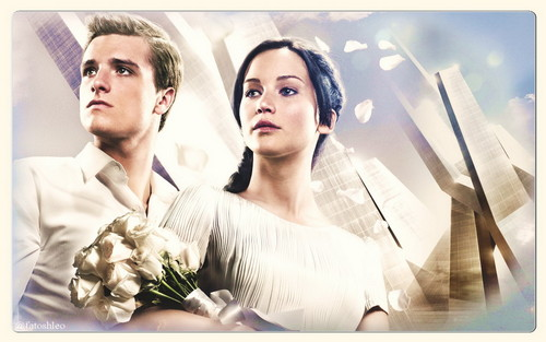 Peeta & Katniss- Catching apoy