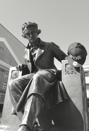 Poe Tribute Hat