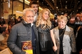 Pregnant Shakira and her parents