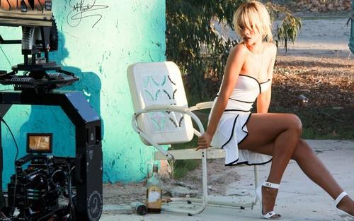 Rihanna ELLE 2012 BTS