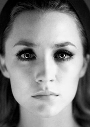 """Saoirse in """"The Host"""""""