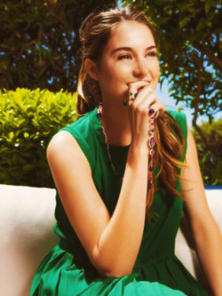 Shailene Woodley wallpaper called Shai♥