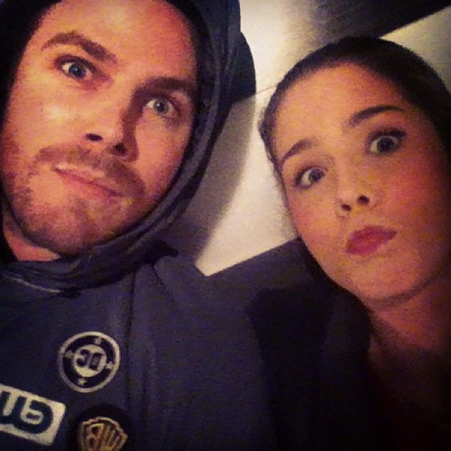 Oliver & Felicity वॉलपेपर called Stephen Amell & Emily Bett Rickards
