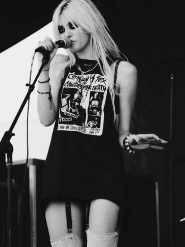 Taylor Momsen <3