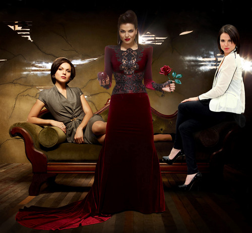 La Méchante Reine/Regina Mills fond d'écran with a bridesmaid titled The Actress The Mayor and The Queen