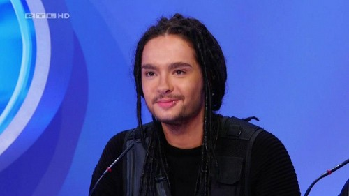 Tom Kaulitz fond d'écran possibly with a portrait titled Tom *___*