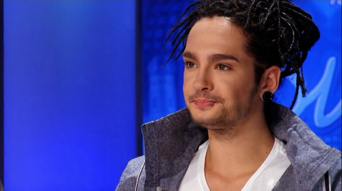Tom Kaulitz 壁纸 possibly containing a portrait entitled Tom *___*