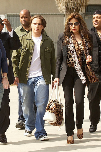mj's son prince jackson and his aunt latoya jackson march 2013