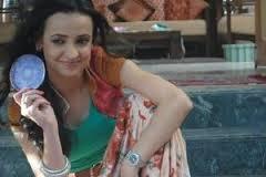 sanaya @ new montrer on sony as a modern bahu