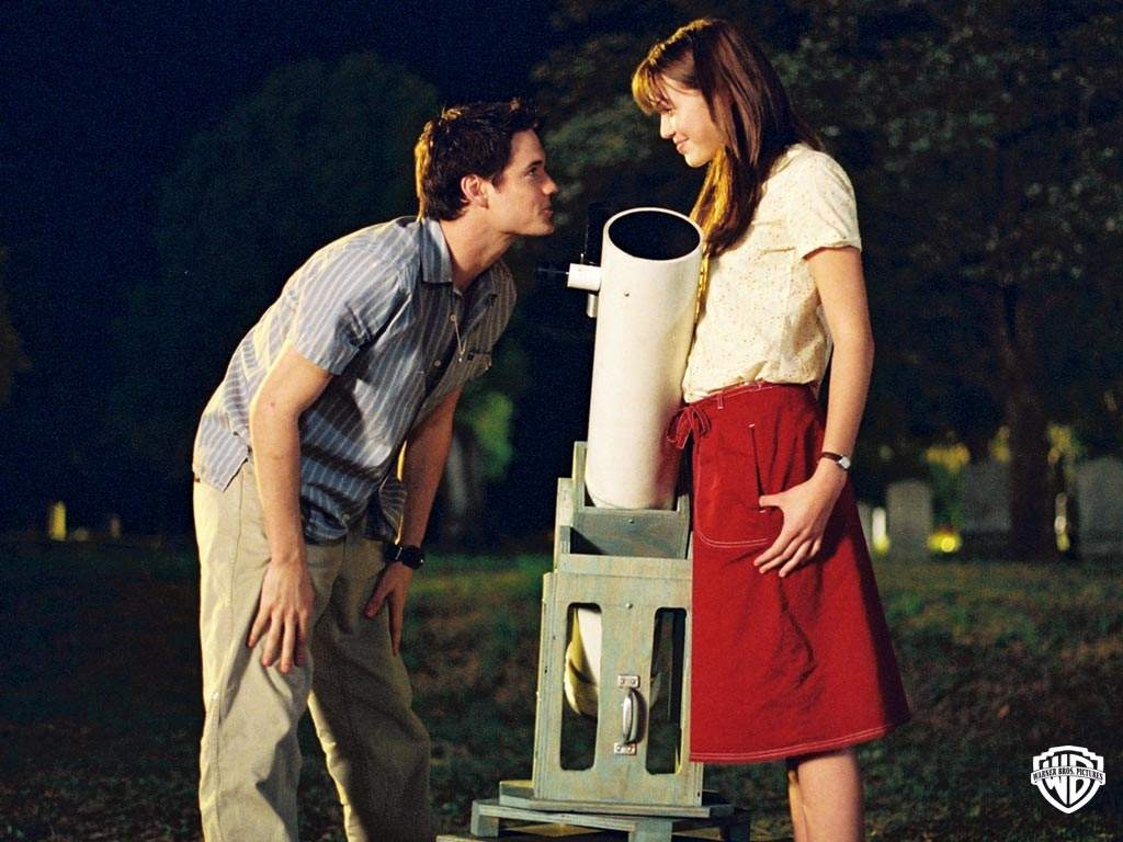 review a walk to remember