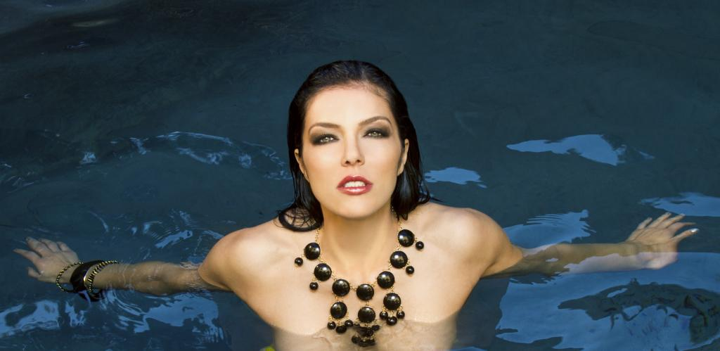 Apologise, Adrianne curry hot tub