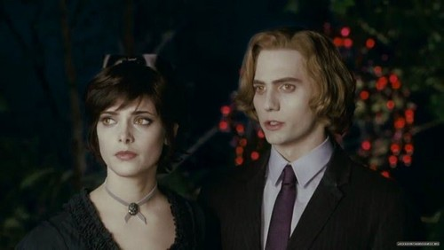 Alice Cullen wallpaper containing a business suit and a suit called Alice Eclipse