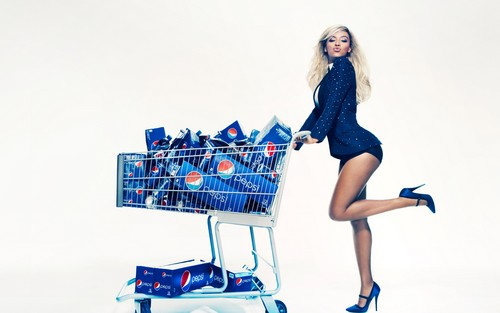 Beyonce پیپر وال probably with a dishwasher titled Beyonce for Pepsi
