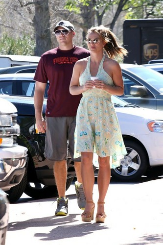 Britney out in Calabasas