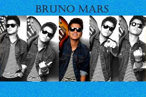 Bruno Mars tops album Chart